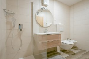 Bathroom superior family room