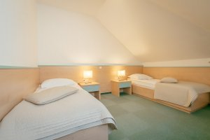 Bedroom superior family room